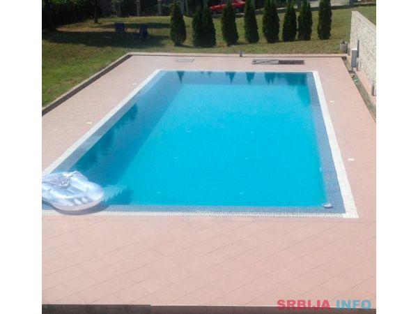 Vila sa bazenom