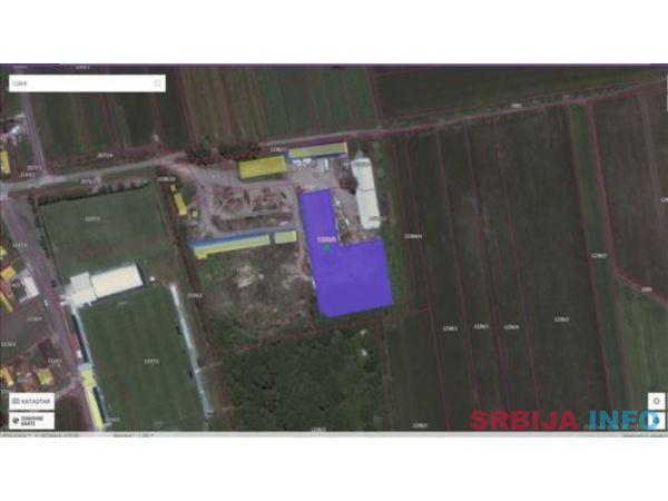 Prodajem zemljiste sa objektom u Pecincima