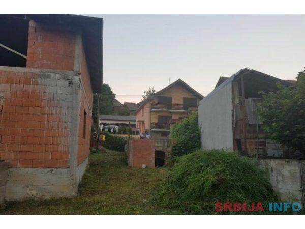 Prodajem kucu u Sremskim Karlovcima