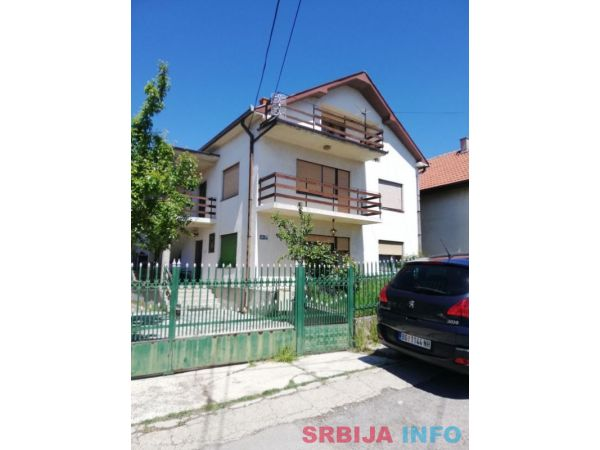 Prodaja kuce u Pozarevcu