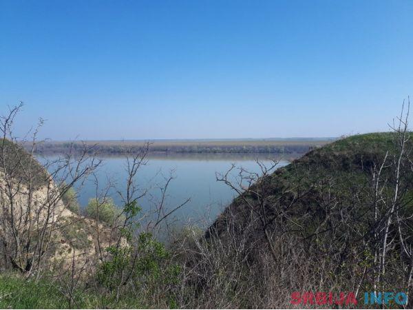 Plac sa pogledom na Dunav-Belegis