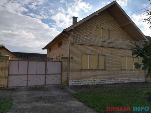 Prodaje se kuća sa mansardom
