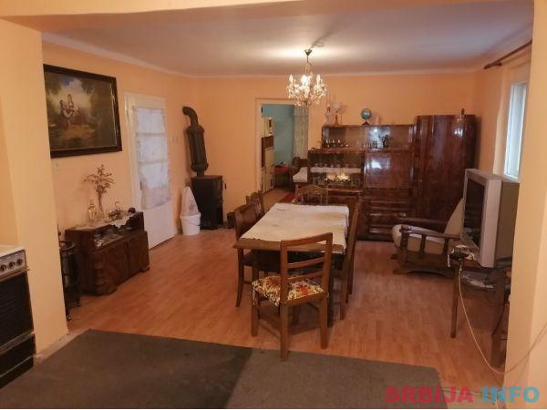 Prodajem kucu u Banatskom Arandjelovu