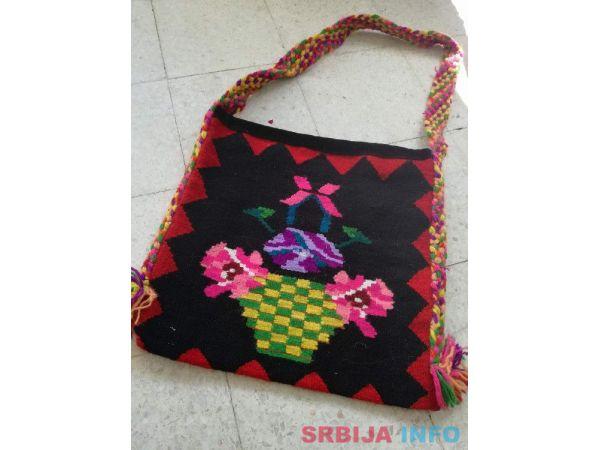 Prodajem rucno radjene cilime i torbe