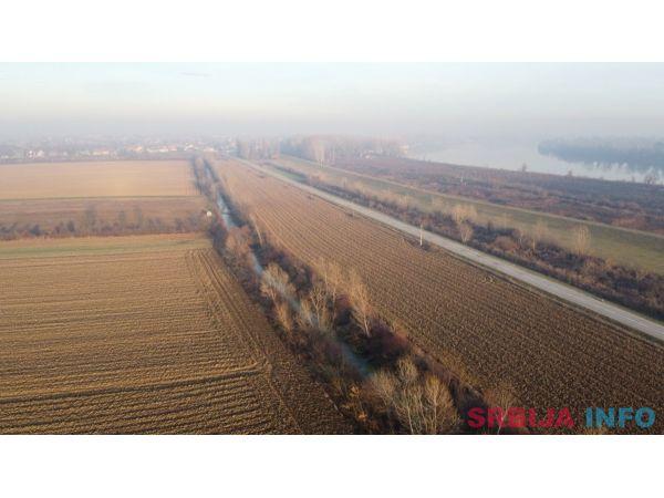 Poljoprivredno zemljiste Boljevci-Surcin