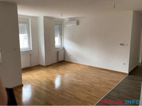 Stan na prodaju Novi Sad-Podbara