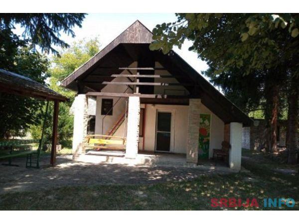 Vikendica nedaleko od Dunava-Apatin