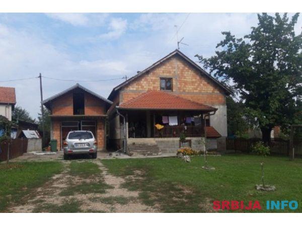 Kuca na prodaju Mladenovac-Medjuluzje