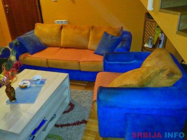 Na prodaju trosed, dve fotelje i kauč