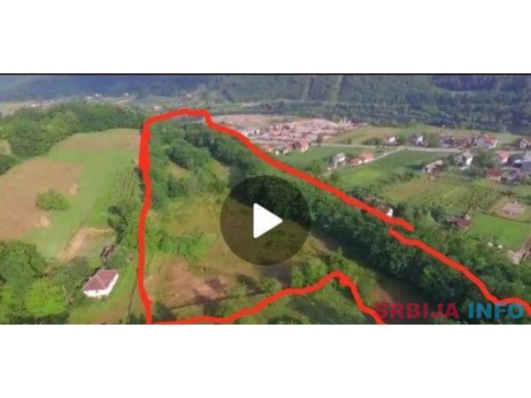 2 hektara u komadu