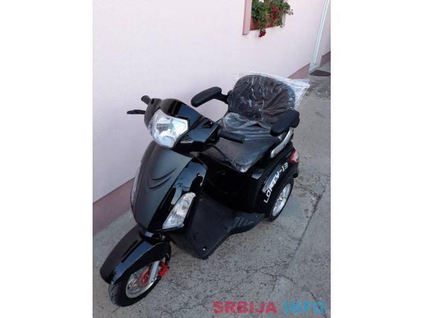 Prodajem elektricni skuter