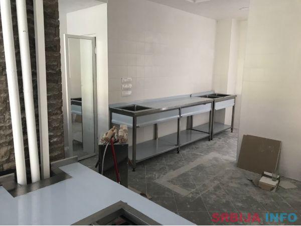 Sudopere, radni stolovi, pultovi