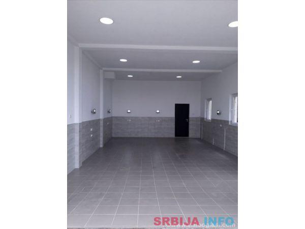Izdajem nov poslovni prostor Novi Beograd-Ledine
