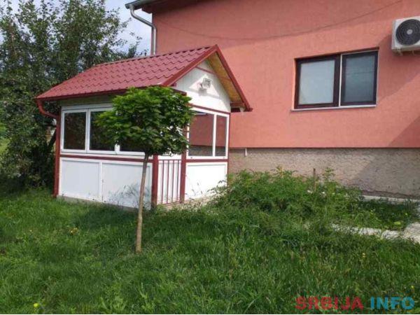 Vikendica Kragujevac-Teferic, kuca 115m2 i plac 6,7ari