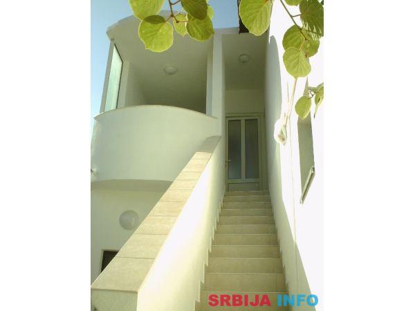 Kuća na moru sa 7 apartmana, Donji Štoj, Ulcinj