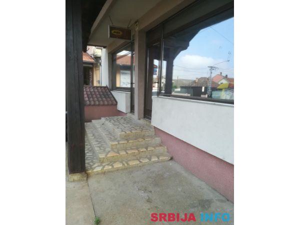 Poslovno-stambeni objekat 550m2 u Sapcu-I-zona