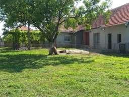 Prodajem kucu u Zmajevu na 24km od Novog Sada