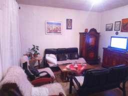 Prodajem kucu sa dvoristem na vikend naselju Ivanica, sa pog