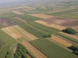 Prodaje se zemljiste 107 ari-Stara Pazova