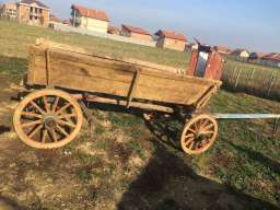 Na prodaju etno kola za ukrastavanje dvorista