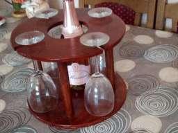 Ukrasni vinski stalak