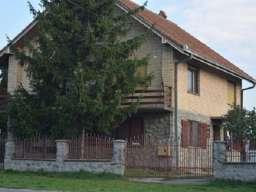 Kuća u Surduku