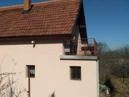 Dve kuće na jednom placu u banji Vrujci