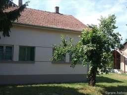 Prodajem kucu u Karadjordjevu
