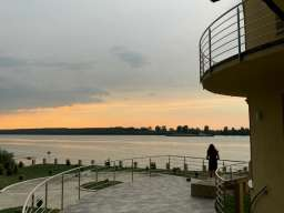 Izdaje se ekskluzivna vila u Smederevu
