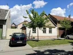 Prodajem novu i staru kucu sa placem u Pancevu