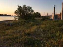 Plac obala reke Save, voda i obala, privatno jedinstveno u B